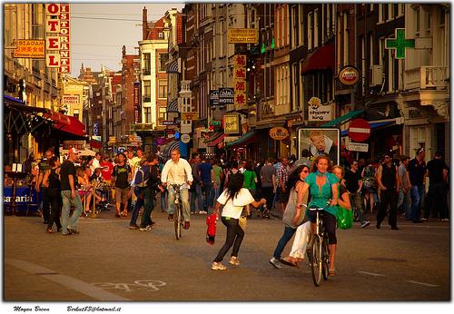 Amsterdam, Damstraat, Flickr, Moyan_Brenn
