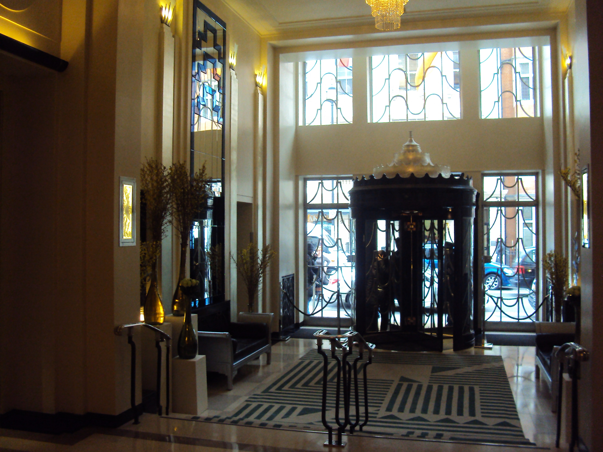 Luxury Accomodations in London The Claridges Five Star  : DSC03973 from thetravelistas.com size 2048 x 1536 jpeg 1429kB